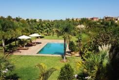Location villa front golf