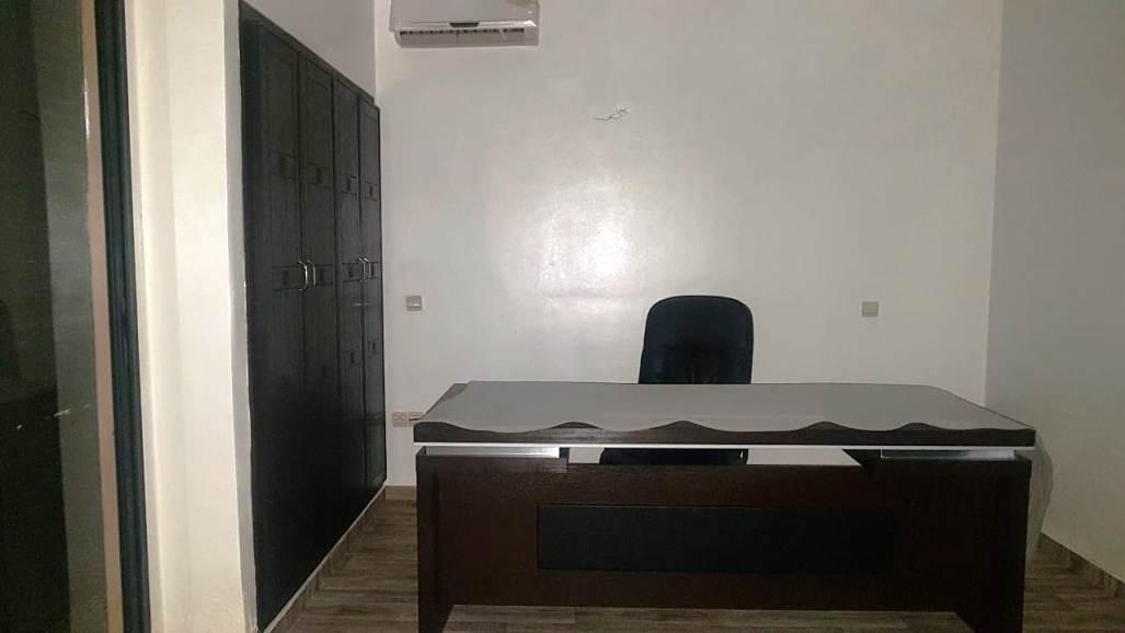 Super Appartement  Bureau pour location