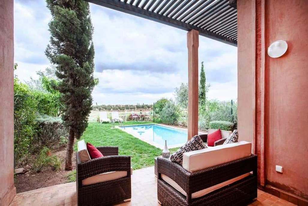 Location villa meublée avec piscine