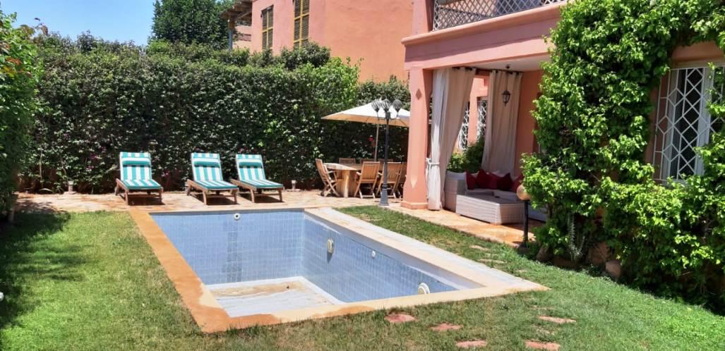 Villa avec piscine non meublée