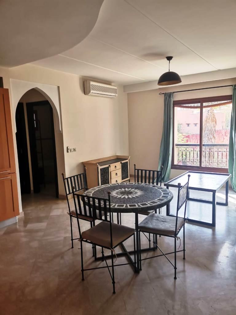 Appartement avec terrasse ensoleillé